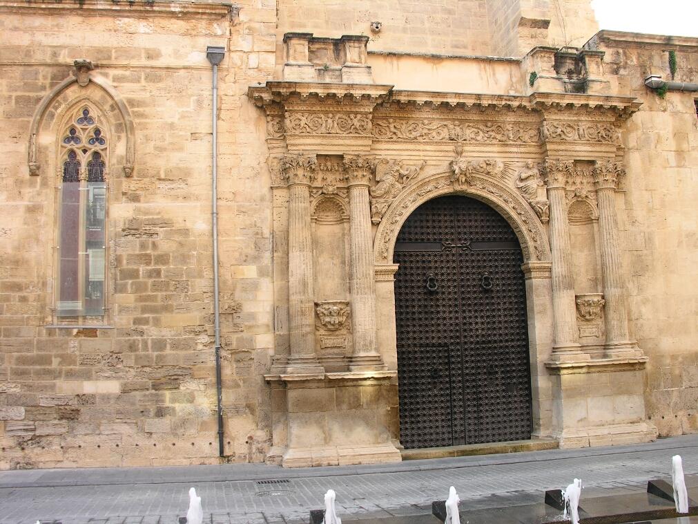 Orihuela, North Door